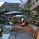 La Couronne courtyard