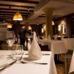 La Couronne dining room